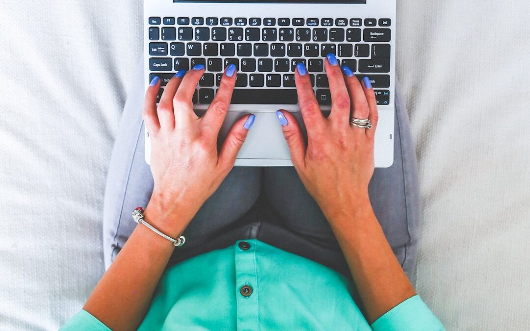 14 (EASY) Ways to Be a Better Writer While WFH
